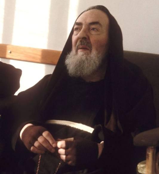 L' incroyable apparition de Padre Pio